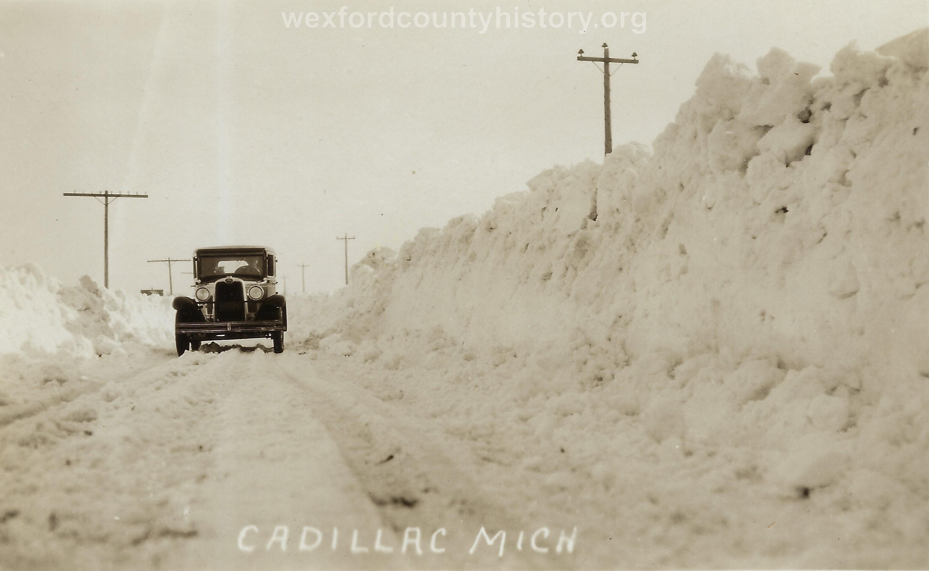 Cadillac-Weather-Winter-Scene-3