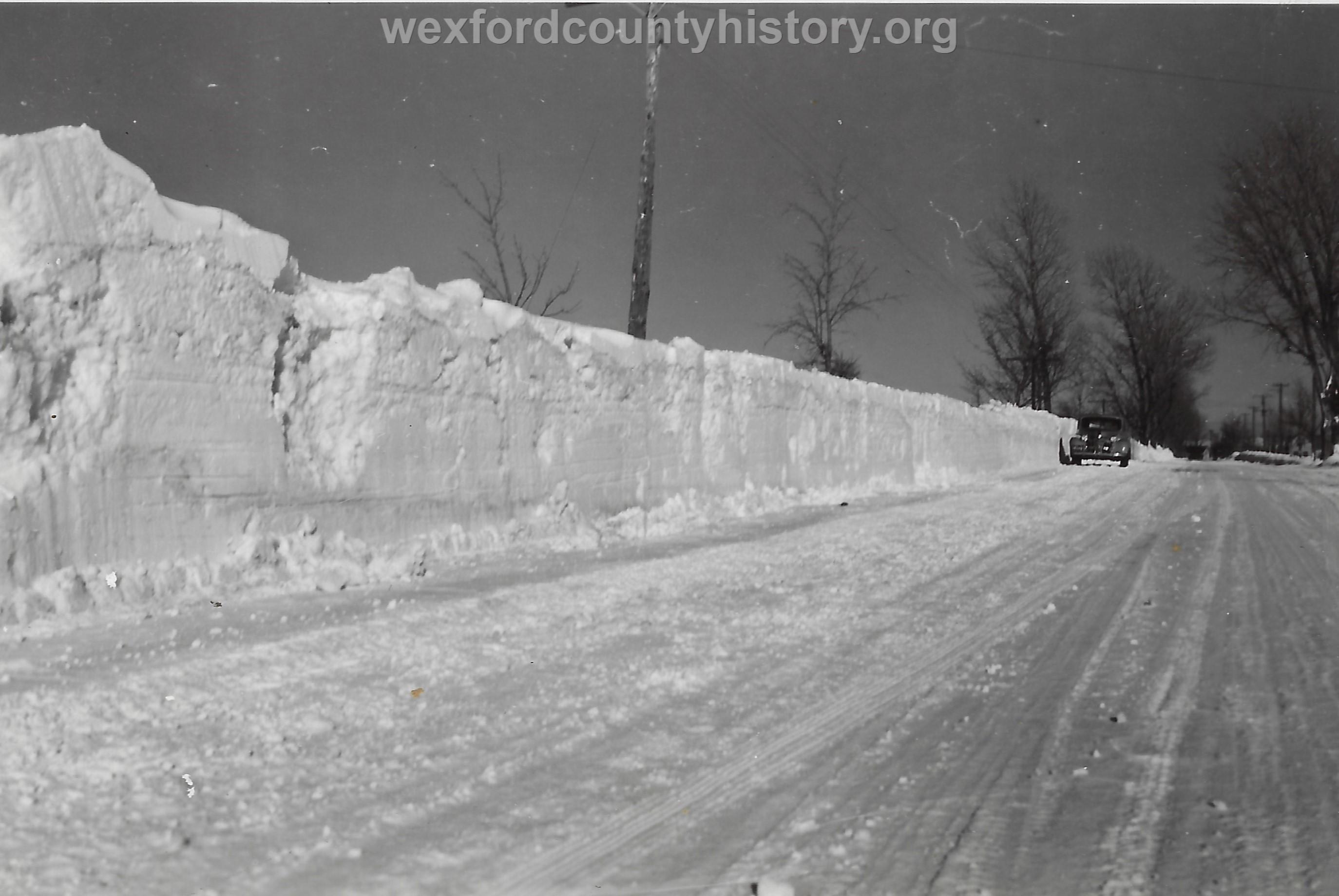 Cadillac-Weather-Winter-Scene-4