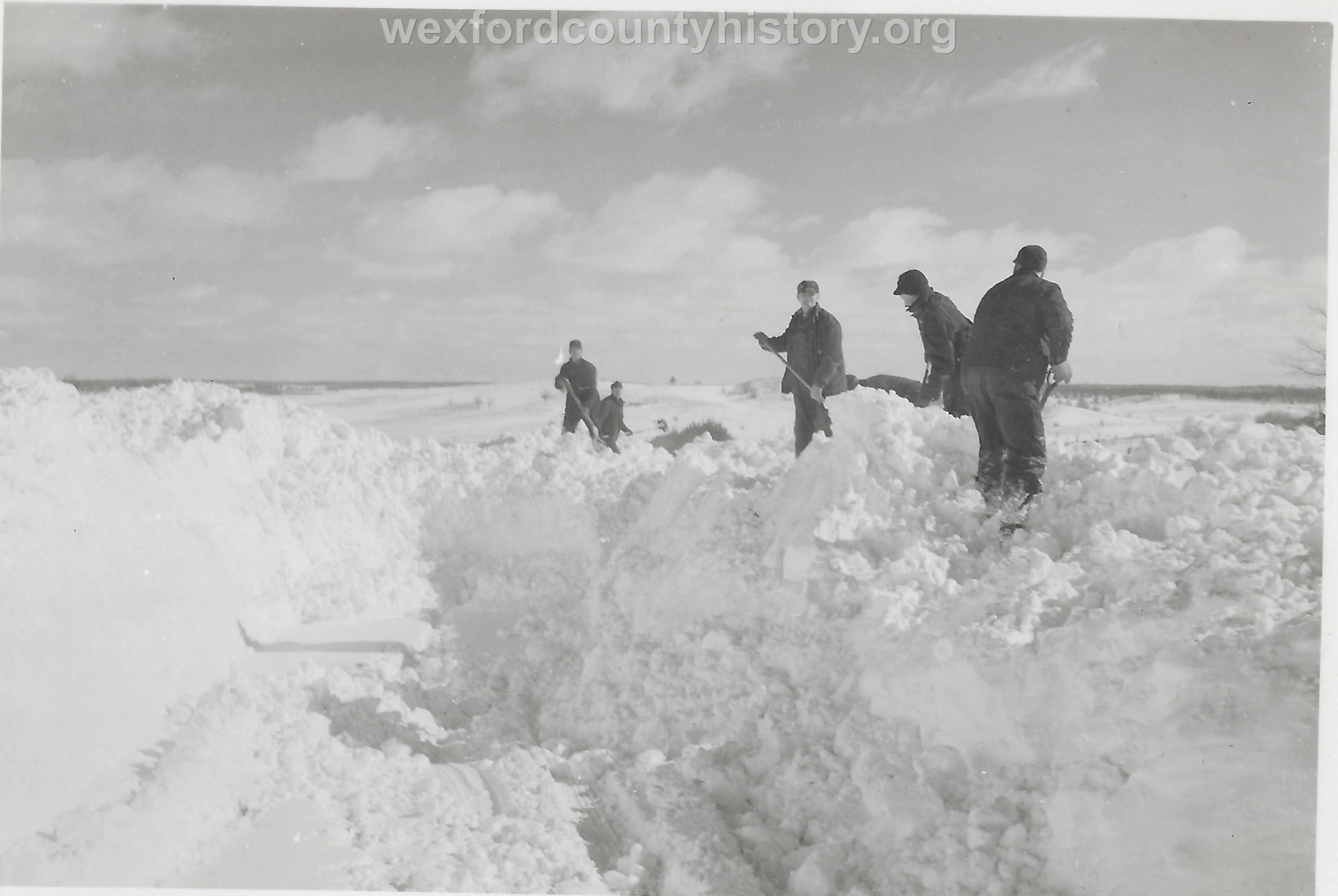 Cadillac-Weather-Winter-Scene-6