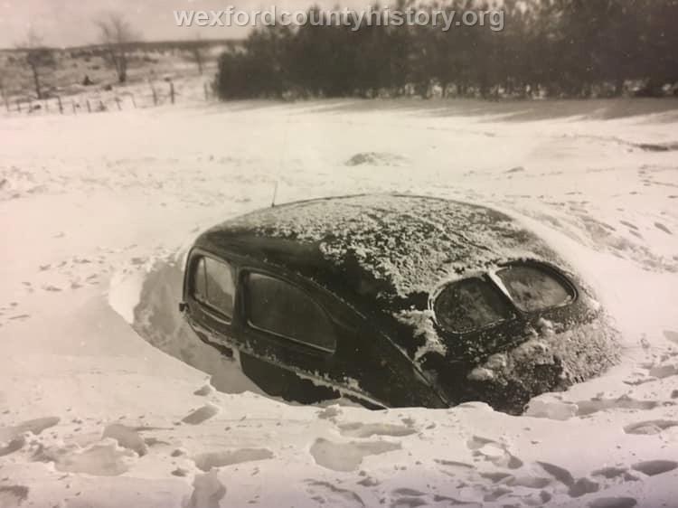 Cadillac-Weather-Winter-Scene-9