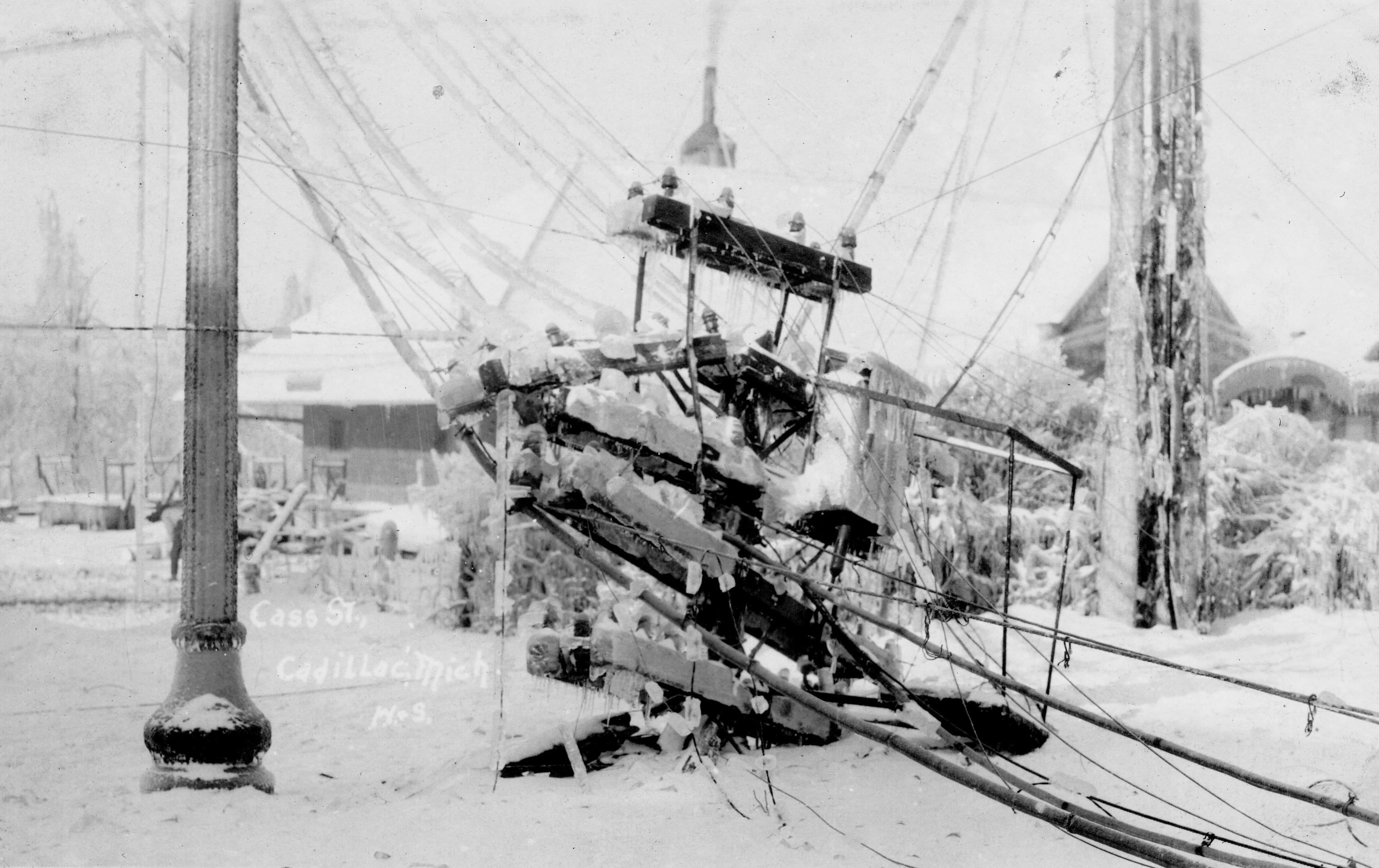 1922 Ice Storm - Cass Street Looking Toward Depot