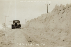 Cadillac-Weather-Winter-Scene-3