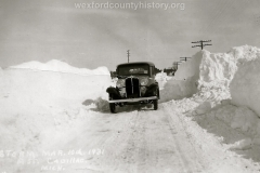 Cadillac-Weather-Winter-Scene-8