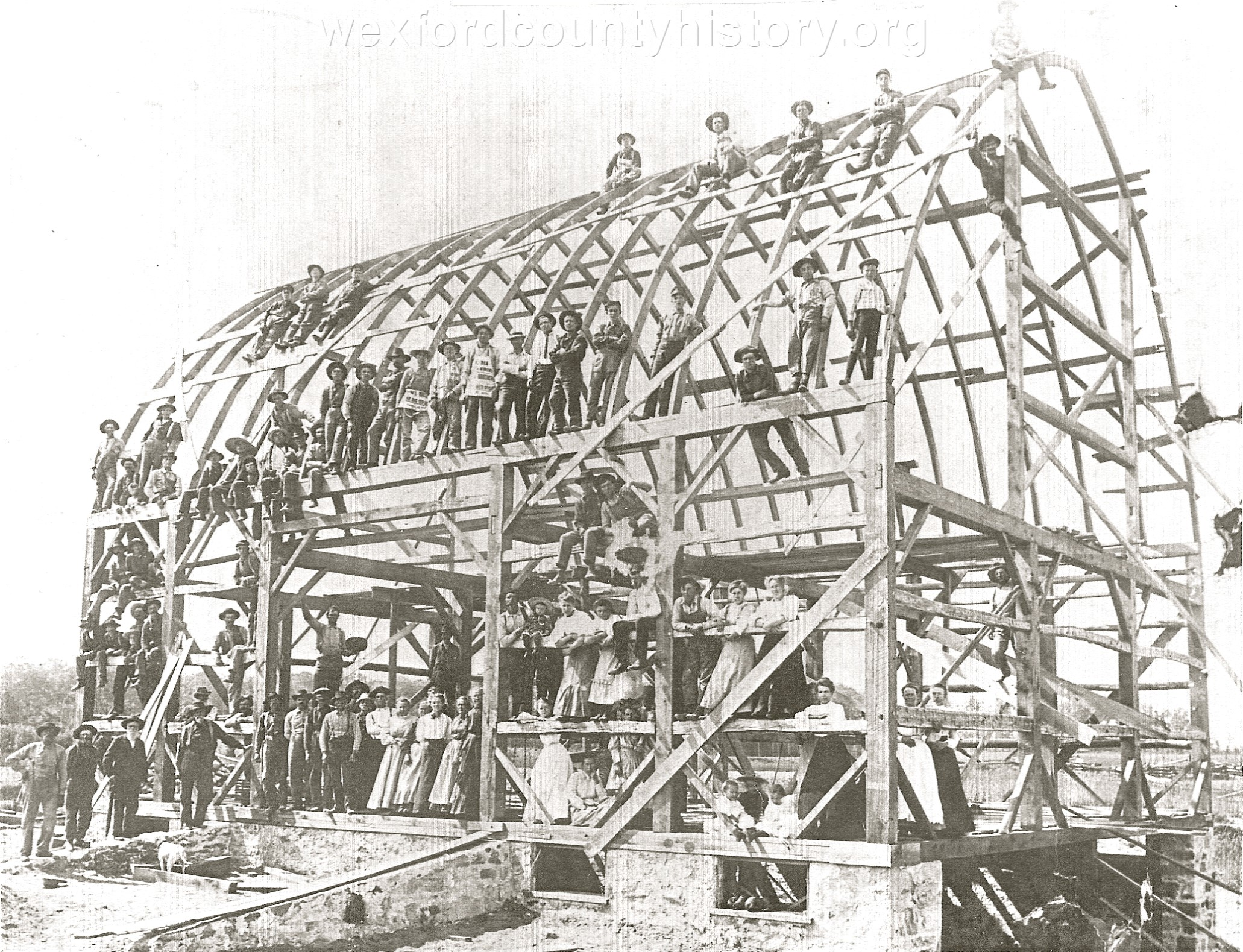 Meauwataka-Building-Barn-Raising