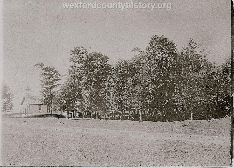 Wexford-County-School-Enterprise-Schoolhouse-in-Colfax-Township-near-Meawataka