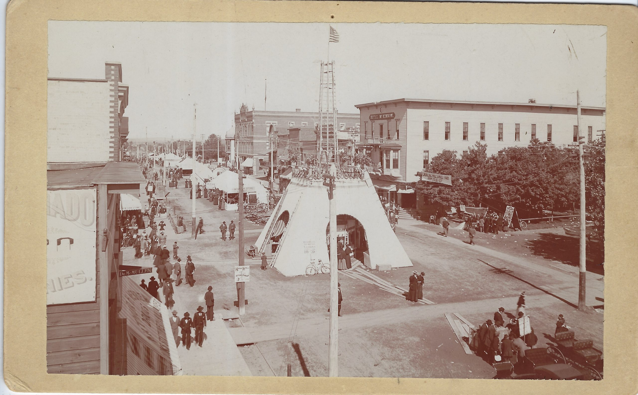 Cadillac – Parade – Free Fair on the corner of Harris and Mitchell 1897 09 15 (8) – Copy