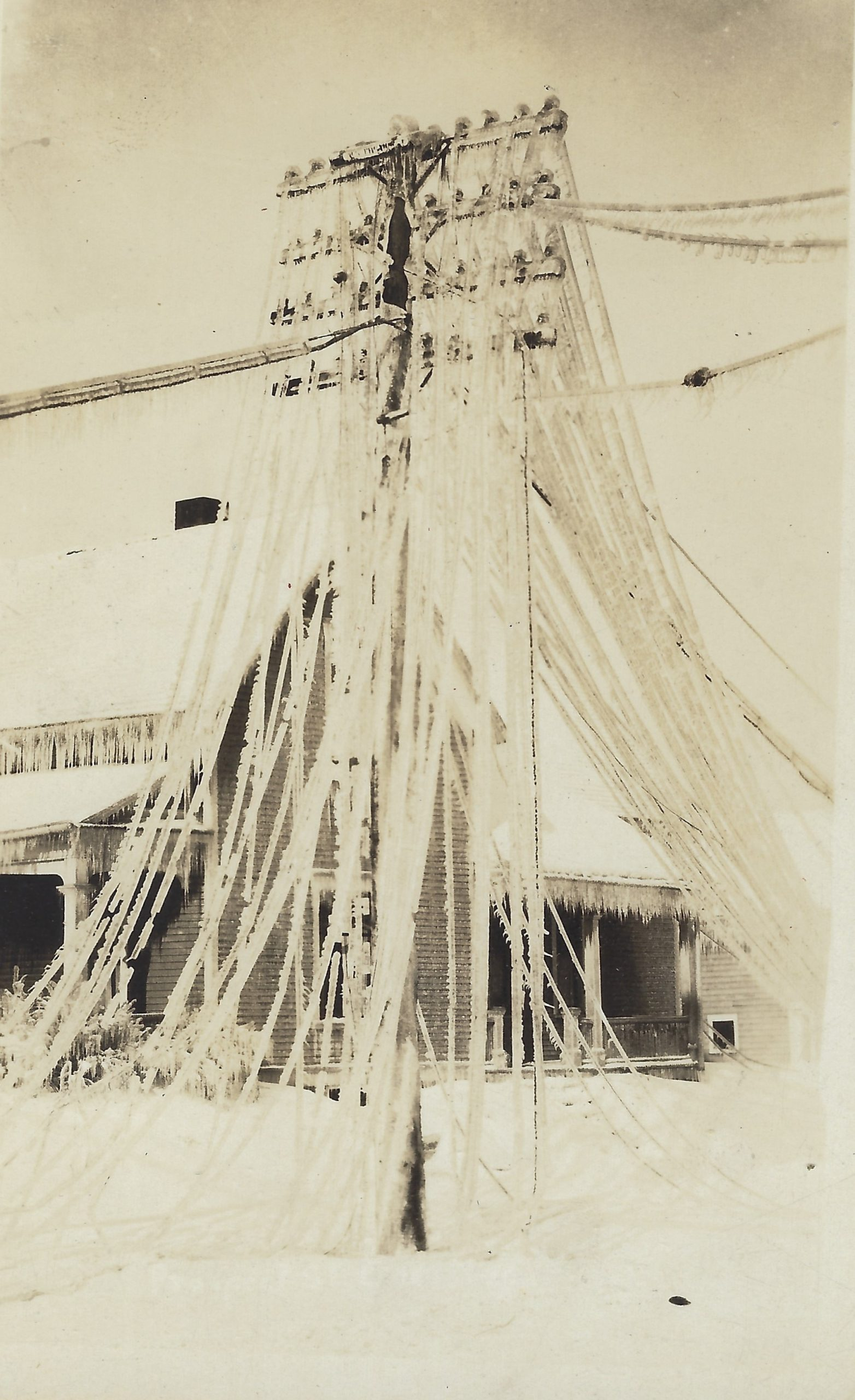 Cadillac – Weather – 1922 Ice Storm, Power Lines Weighed Down By Ice (4)